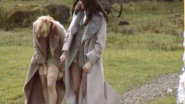 تقلب-تانالیا توسط اولین باند بانگی خود فیلم سکس با تعمیرکار فریب می خورد
